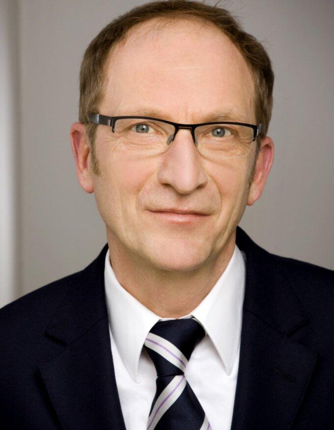 Prof. Dr. Franz J. Neyer